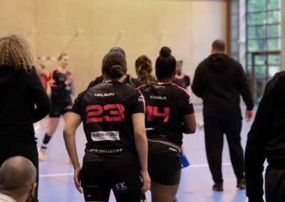 Maryam Kacimi et Nancy Varela lors du match Noisy-le-Grand Handball - Pouzin
